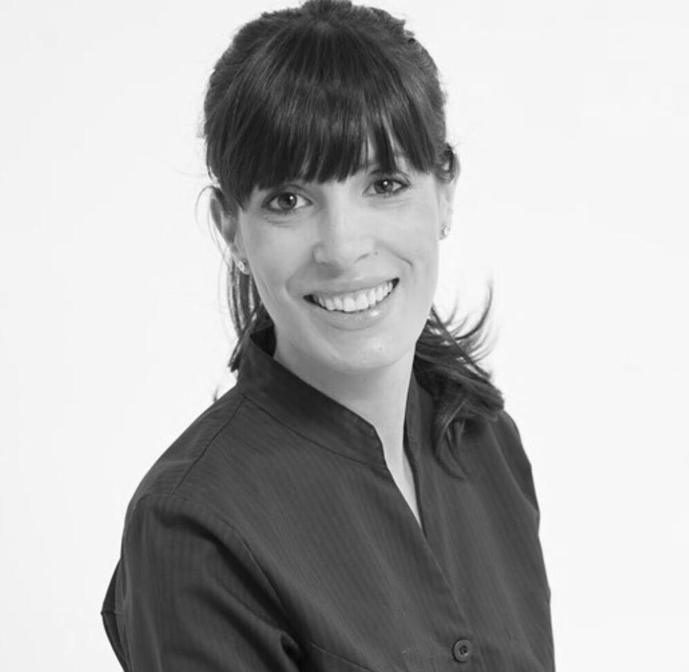 Paula Olivencia - Especialista en Estética Dental, Facial y Ortodoncia